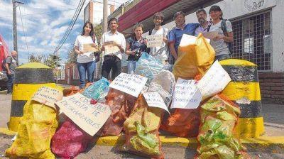 Los residuos, de la costa del Paraná a sus productores