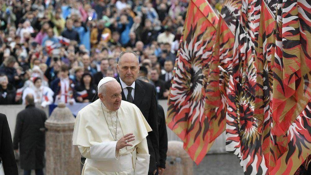 El Papa en la catequesis: los laicos son los responsables de hacer crecer la fe