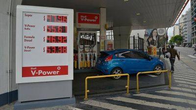 """Terminó el """"congelamiento"""" del precio de los combustibles y subieron 5%"""