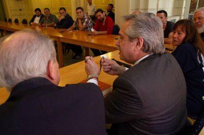 Como a la CGT, Alberto Fernández le dijo a los movimientos sociales que serán parte de su Gobierno