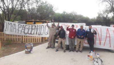 Obreros del parque solar reclaman dos meses de sueldos