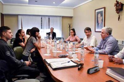 Alertan por estafas a afiliados de obras sociales: el caso Elevar Pasteleros