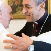 Críticas a la prisión preventiva: el Arzobispo platense desmintió que el Papa se haya referido a la Argentina