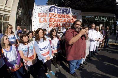 Levantan el paro docente en Chubut