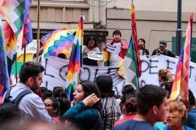 Organizaciones sindicales y políticas colmaron la Plaza de Mayo contra el Golpe en Bolivia