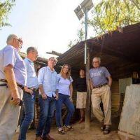 Más de 30 familias de la isla ya cuentan con paneles solares en sus casas