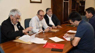 Necochea: firman convenio para desarrollar proyecto urbano en Quequén