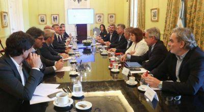 El Gobierno afirmó que se estancó la transición con el equipo de Alberto Fernández