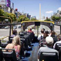 Proponen crear en la Ciudad un nuevo impuesto a los turistas extranjeros