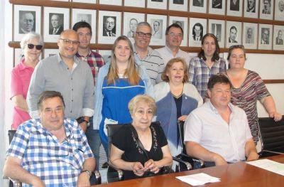 Esteban Reino entregó subsidios correspondientes al fondo de fortalecimiento institucional