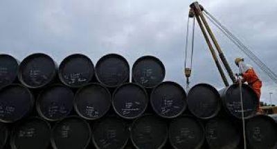 El precio del petróleo cayó por sobreoferta y conflicto EE.UU-China