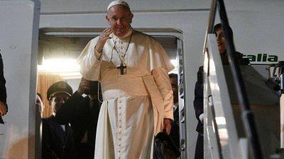 Y el Papa seguirá sin venir