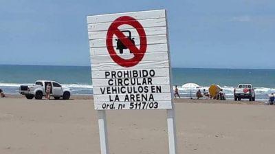 Continúa la polémica por las playas locales: denuncian Tránsito permite que los vehículos bajen a la playa