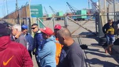 Estibadores amenazan con parar los puertos del país en rechazo a la intervención de Sica al SUPA