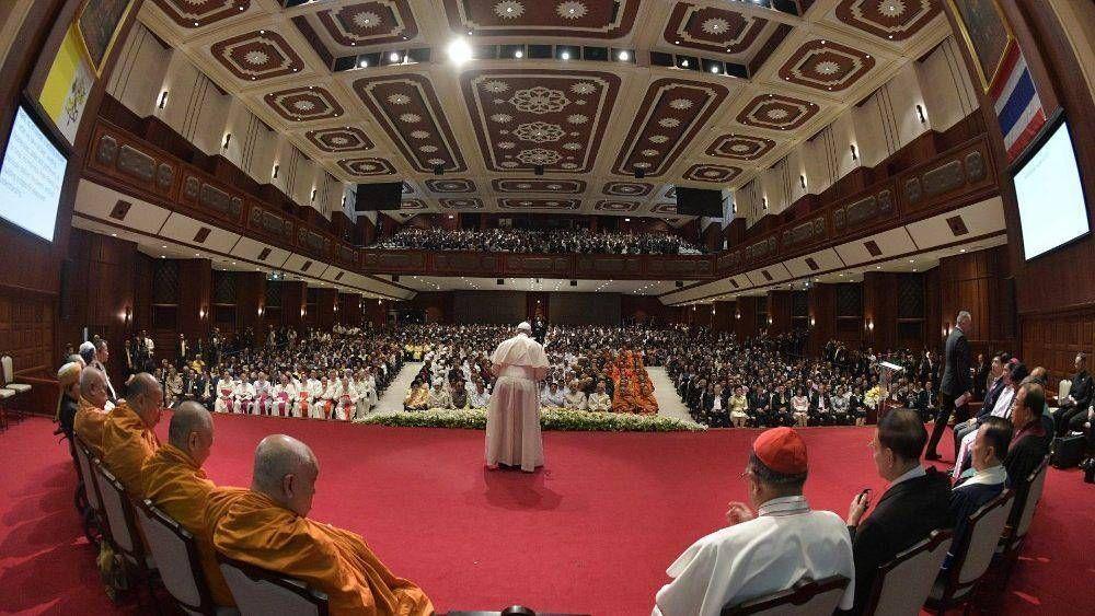 """El Papa a líderes religiosos: """"Garantizar a las jóvenes generaciones su derecho al futuro"""""""
