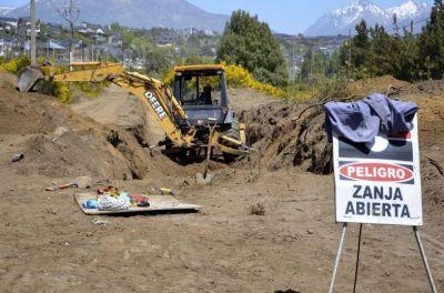 Después de 3 años, empezó la obra del colector costanero de Bariloche