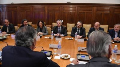 Con ansiedad por conocer el plan económico, la UIA todavía espera la confirmación de Alberto Fernández para la conferencia industrial