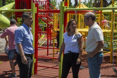 El Parque Urbano ya cuenta con un moderno patio de juegos