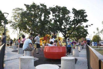 """Puesta en valor de la plaza """"El triángulo de los niños"""" de Grand Bourg"""