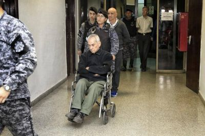 Los curas del Próvolo recibieron condenas de 42 y 45 años de cárcel por violar y corromper a niños sordos