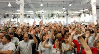 Córdoba: Smata firma acuerdos para evitar despidos