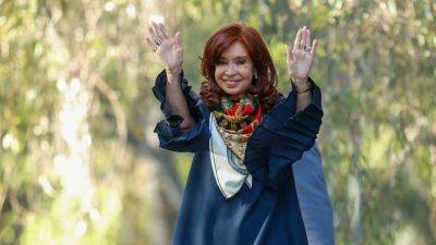 Cristina Kirchner suma acuerdos con gobernadores: consolida su espacio y el esquema del nuevo poder