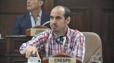 Crespo propone colocar bebederos en espacios públicos al aire libre