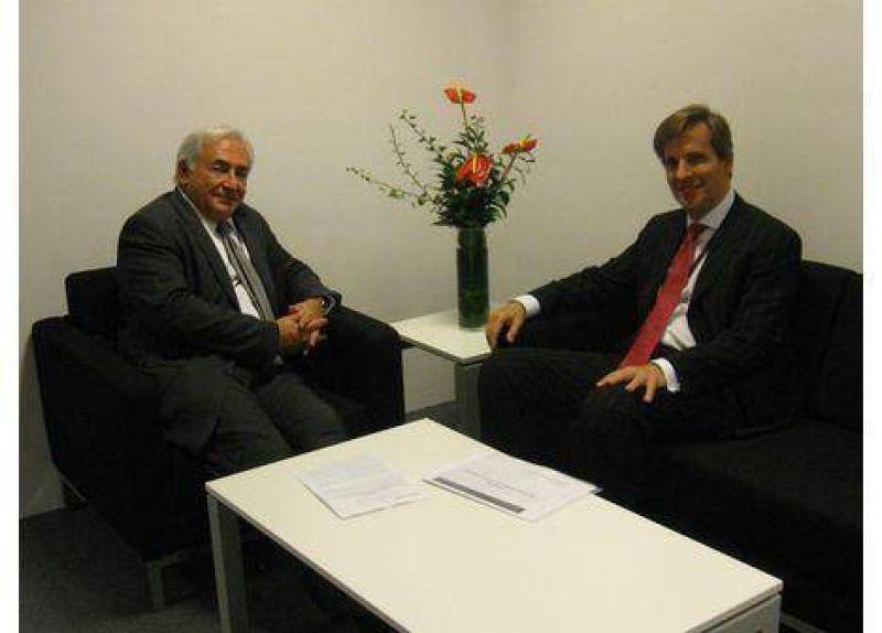 El Gobierno acepta exigencias del FMI y acelera un acuerdo