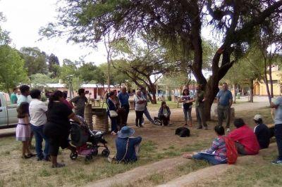 Vecinos de San Carlos piden que el agua baje de las montañas