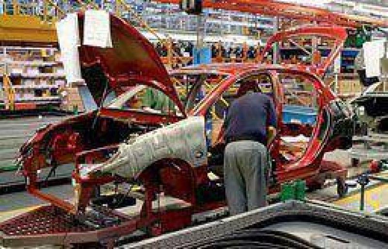 Producci�n automotriz cedi� 13,1% en setiembre