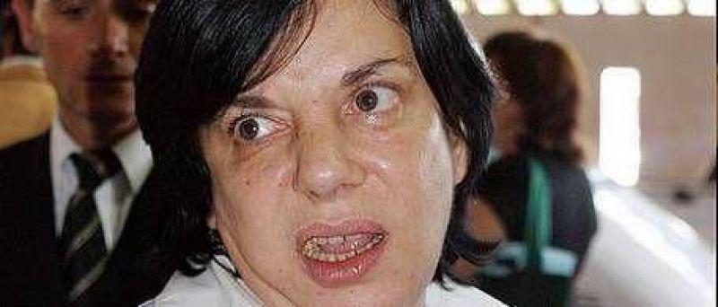 """Sandra Mendoza: """"Es de poco hombre pedir el divorcio de esta manera"""""""