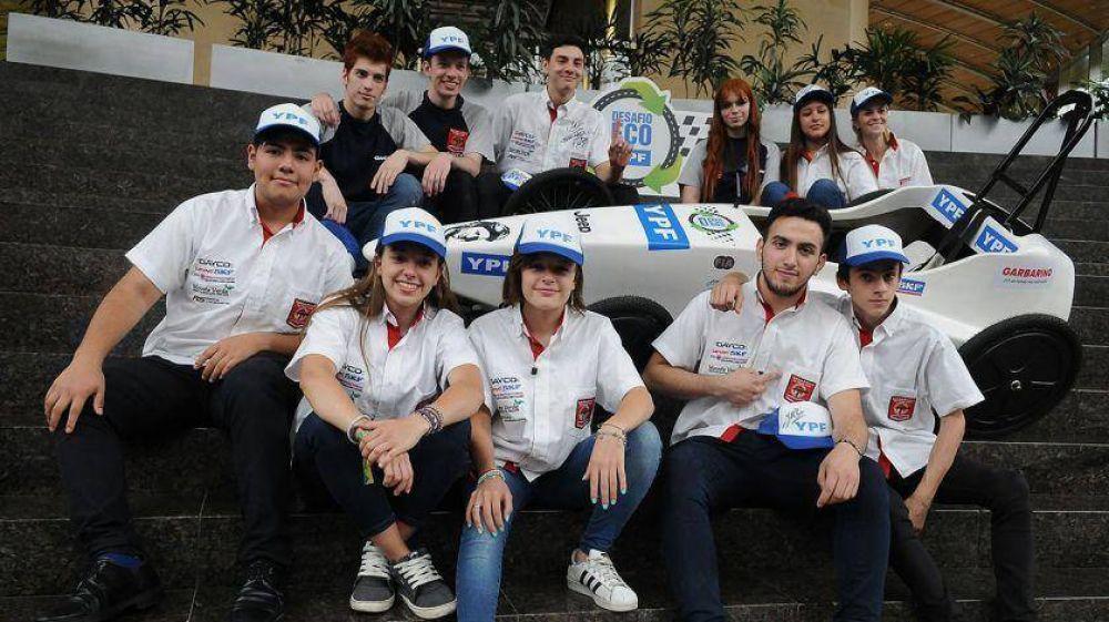 Emisión cero, escuderías femeninas y velocidad: largó el Desafío ECO YPF 2019