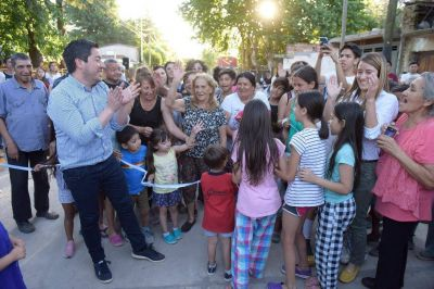 Nardini inauguró el pavimento de la calle Murguiondo