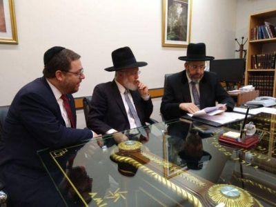 El Gran Rabino Lau estuvo en AMIA y se reunió con el presidente Ariel Eichbaum