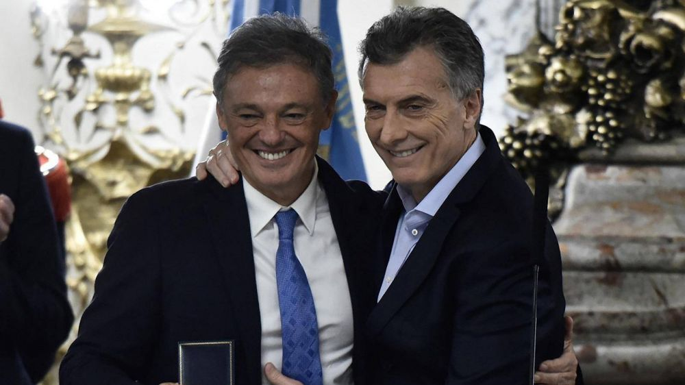Macri direccionó millones para financiar despidos en una firma vinculada a Francisco Cabrera