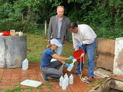 Toman muestras de agua de la potabilizadora por un amparo