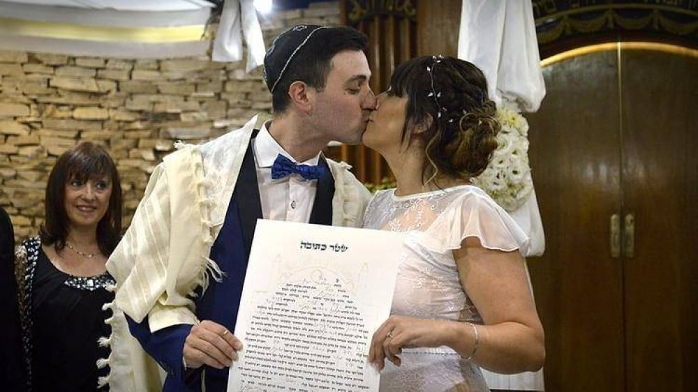 El espectacular casamiento en vivo que causó sensación en la Noche de los Templos