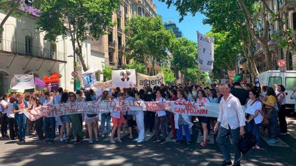 Los médicos residentes de paro: no realizan guardias el fin de semana en hospitales porteños