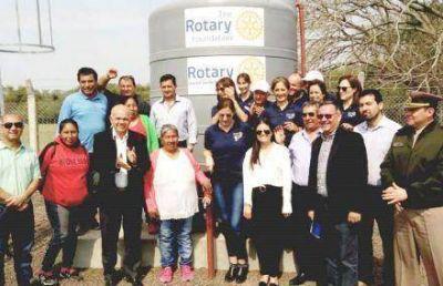 Con agua potable, el Rotary Club lleva salud a colonias rurales