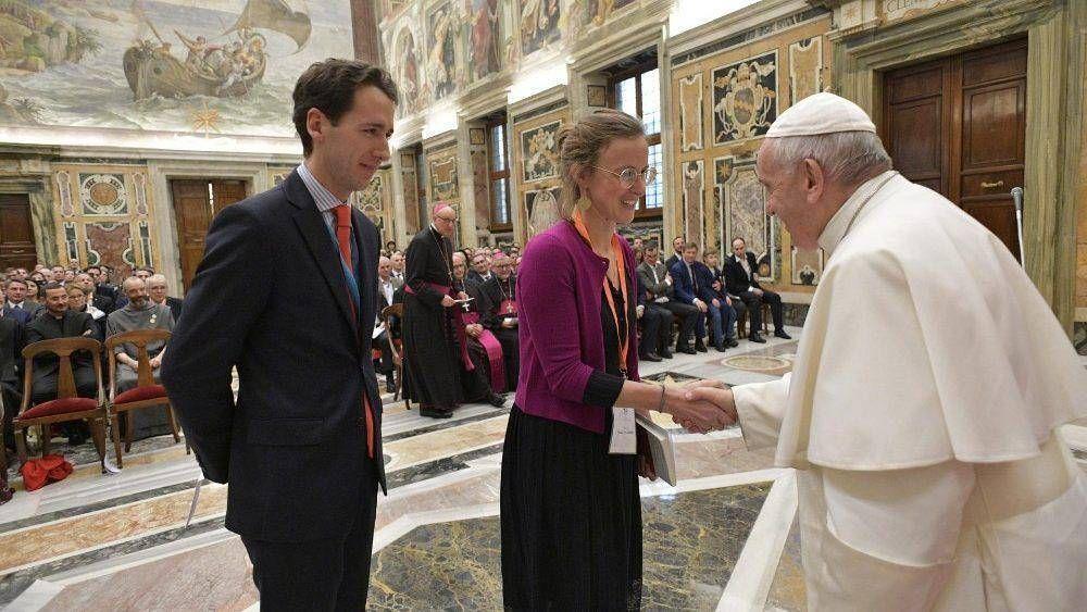 El Papa a jóvenes emprendedores: garantizar a todos ganarse la vida dignamente
