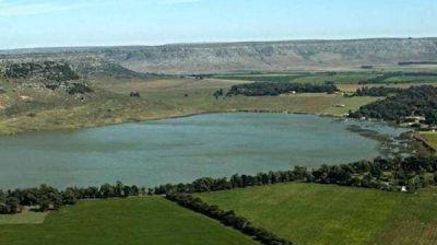 Cianobacterias en laguna Brava: aconsejan evitar la pesca y el consumo de pejerreyes
