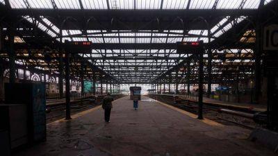 Por una medida gremial, el tren Sarmiento no presta servicio durante toda la jornada