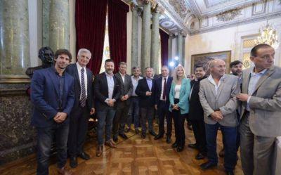 Primera reunión: Verónica Magario se reunió con el senador Roberto Costa