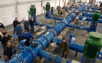 Advierten que puede cambiar el gusto del agua en un sector de la ciudad