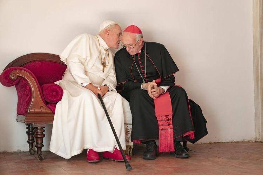 """Cómo es la película """"Los dos Papas"""", que cuenta las visiones opuestas de Francisco y Benedicto XVI"""
