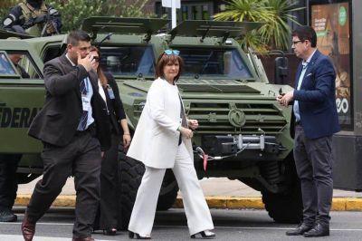 El gabinete de Macri, surcado por errores, estrés, angustias y una solidaridad que no alcanzó