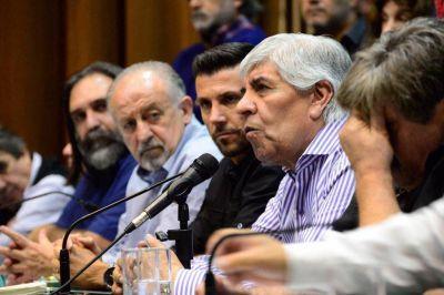 Hugo Moyano va a cerrar el plenario de juventud en el Teatro Rivadavia