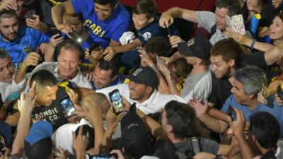 Riqueleme saca ventaja a Angelici en Boca y Macri pierde su último bastión