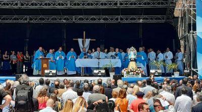 En el día de la Virgen nos pareció oportuno rezar por Argentina, dice Arzobispo en Luján