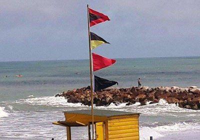 """El """"enanismo"""" político hace que algunos jueguen con la seguridad en las playas"""